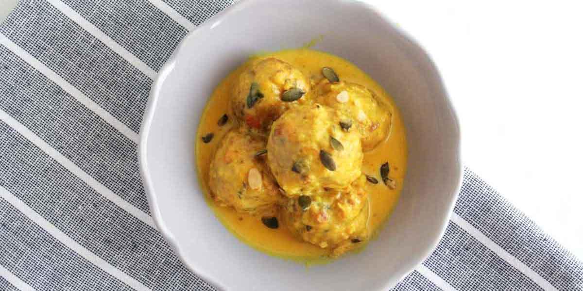 polpette di verdure con latte di cocco al curry