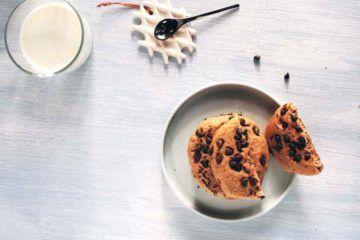 cookies di farro e gocce fondenti alla banana