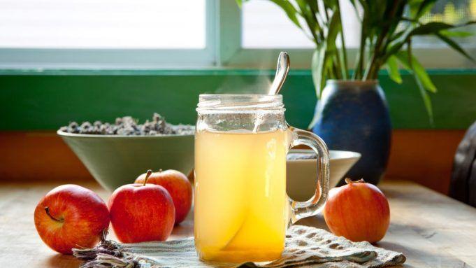 Pregi e difetti , scond gli esperi dell'aceto di mele.