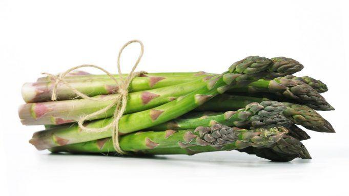 Perché gli asparagi fanno puzzare la pipì.