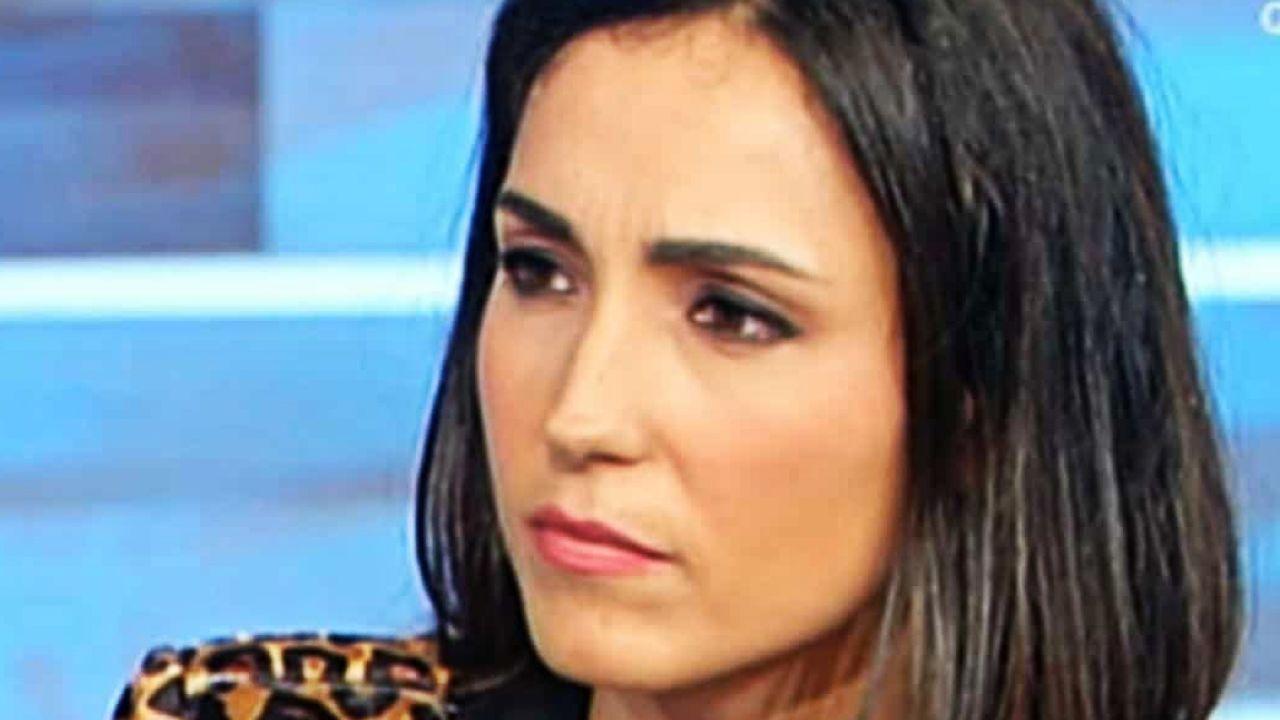 Caterina Balivo costretta a interrompere Vieni da me: il triste retroscena