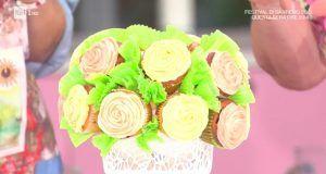 Dolce bouquet fiorito, fatto con i cupcake.