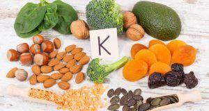 Gli alimenti ricchi di vitamina K andrebbero inseriti in tutte le diete