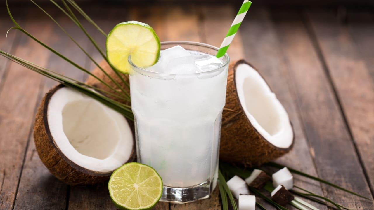 Proprietà del cocco: acqua, olio o succo.