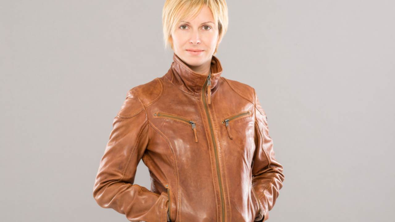 giacca di pelle marrone