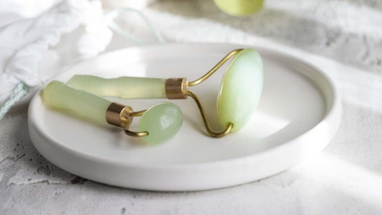 jade roller - rullo per il viso e collo (1)