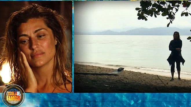 Elisa Isoardi scoppia in lacrime per la mamma: lo straziante messaggio della naufraga