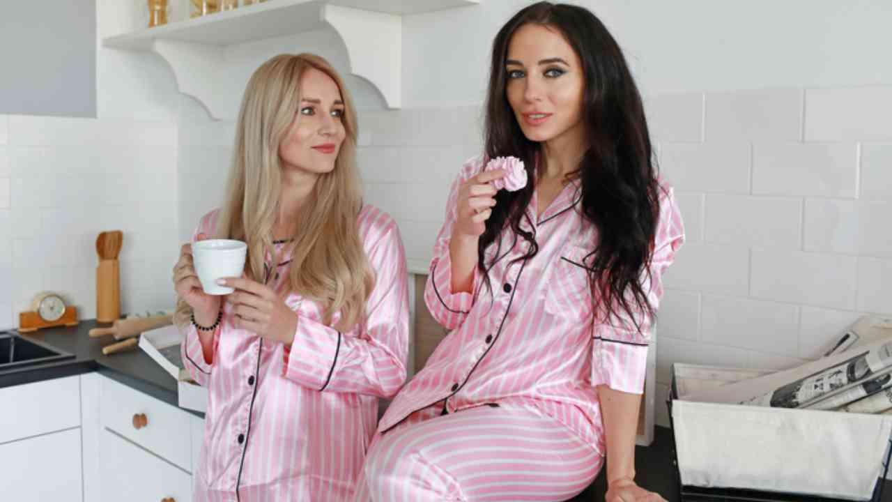ragazze in pigiama