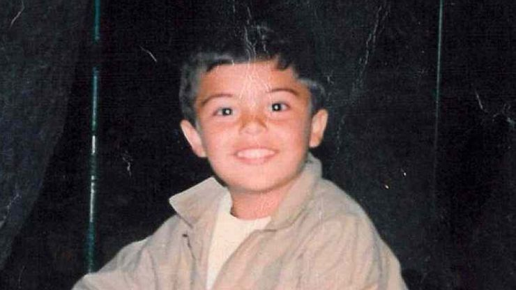 Riconoscete questo bambino? Oggi è uno dei giudici di Amici 20 - stash da bambino