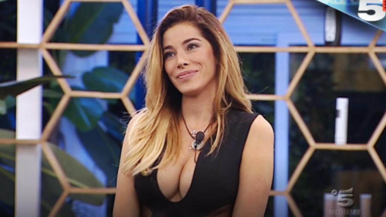 Aida Yespica quasi nuda