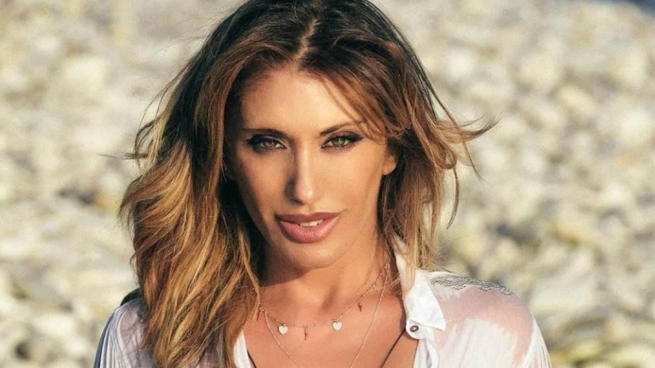 Sabrina Salerno miss camicetta bagnata