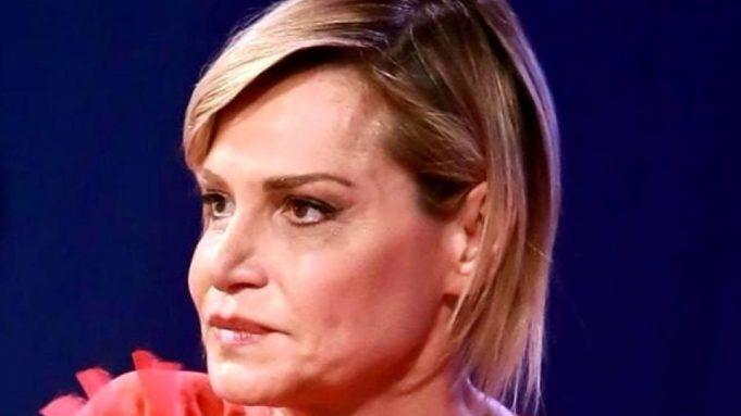 Simona Ventura viso stravolto dai ritocchini?