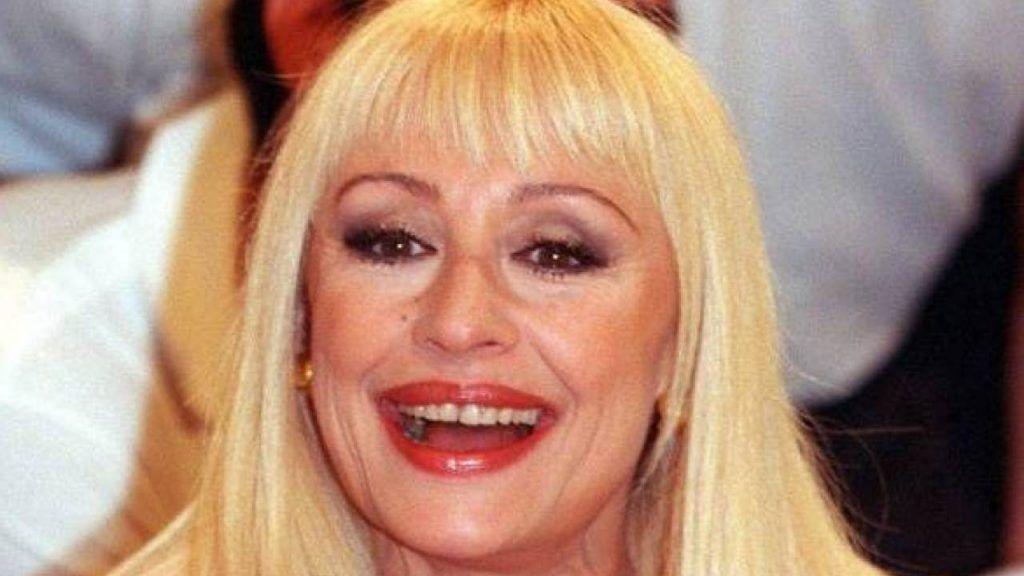 Raffaella Carrà parla il suo primo amore